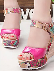 cheap -Women's Sandals Wedge Heel Peep Toe Buckle Faux Leather Comfort Spring / Summer Beige / Fuchsia / Blue / EU39