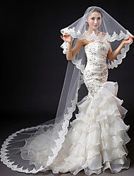 cheap -One-tier Lace Applique Edge Wedding Veil Cathedral Veils with Embroidery Lace / Tulle / Classic