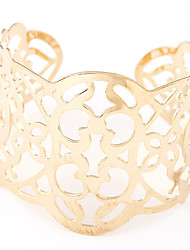 cheap -Women's Cuff Bracelet Wide Bangle Hollow Alloy Bracelet Jewelry Silver / Golden For Party Daily Casual