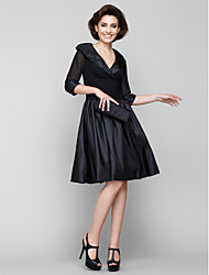 cheap -A-Line V Neck Knee Length Chiffon / Taffeta Half Sleeve Little Black Dress Mother of the Bride Dress with Ruched 2020