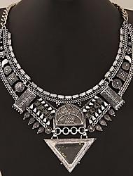Недорогие -Жен. Воротничок Заявление ожерелья Массивный Дамы азиатский европейский Синтетические драгоценные камни Сплав Золотой Серебряный Ожерелье Бижутерия Назначение