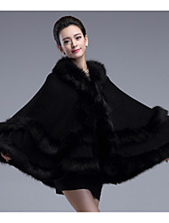 cheap -Sleeveless Capes Faux Fur / Imitation Cashmere Wedding Wedding  Wraps / Fur Coats / Hoods & Ponchos With Feathers / Fur / Tiered