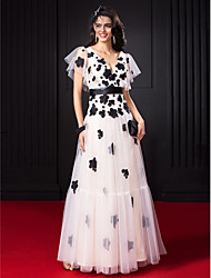 cheap -A-Line Celebrity Style Prom Dress V Neck Short Sleeve Floor Length Tulle with Sash / Ribbon Flower 2020