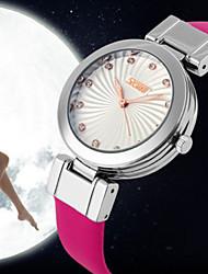 cheap -Women's Fashion Watch Quartz Japanese Quartz Ladies Analog White Black Red / Stainless Steel / Leather