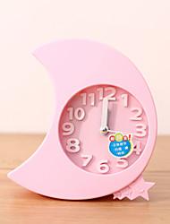 Недорогие -творческий пластиковые мини-луна настольного игла сигнализация кварцевые часы (случайный цвет)