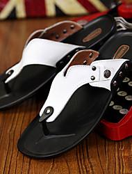 Недорогие -Муж. Комфортная обувь Кожа Весна / Лето Тапочки и Шлепанцы Черный / Белый / Оранжевый / Заклепки