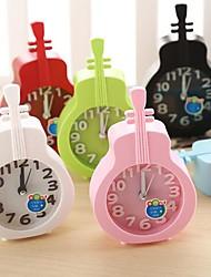 Недорогие -творческий пластиковые мини-скрипка настольного игла сигнализация кварцевые часы (случайный цвет)