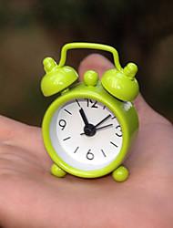 Недорогие -новый дом на открытом воздухе часы портативный мило мини-мультфильм номер циферблат круглый сигнализация рабочий стол (случайный цвет)