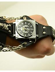 Недорогие -Муж. Модные часы Кварцевый Стильные Кожа Черный / Коричневый Cool Аналоговый Одежда в стиле Панк Череп - Черный