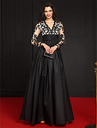 cheap -A-Line V Neck Floor Length Taffeta / Floral Lace Elegant / Black Formal Evening / Wedding Guest Dress with Appliques / Embroidery / Lace Insert 2020 / Illusion Sleeve