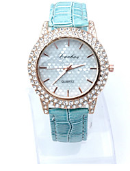 cheap -Women's Wrist Watch Quartz Leather Black / White / Blue Casual Watch Imitation Diamond Analog Ladies Heart shape Simulated Diamond Watch Fashion Dress Watch - Fuchsia Brown Blue