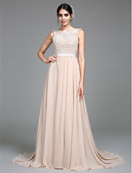 cheap -A-Line Jewel Neck Court Train Chiffon / Lace Bodice Empire / White Formal Evening / Wedding Guest Dress with Appliques / Lace Insert 2020