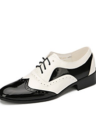 cheap -Men's Modern Shoes Flat Low Heel Patent Leather Black / White / Performance / EU43