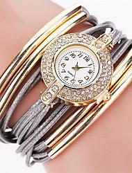 cheap -Women's Bracelet Watch Wrist Watch Diamond Watch Quartz Quilted PU Leather Black / White / Blue Rhinestone Cool Punk Analog Ladies Charm Sparkle Vintage Candy color - Pink Dark Red Light Blue