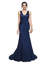 cheap -Mermaid / Trumpet V Neck Court Train Charmeuse Celebrity Style / Minimalist Formal Evening Dress 2020 with Pleats