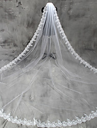 cheap -One-tier Lace Applique Edge Wedding Veil Cathedral Veils with Appliques Tulle / Classic