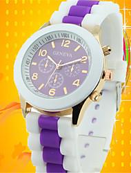 Недорогие -Жен. Муж. Универсальные Модные часы Кварцевый силиконовый Группа Повседневная Черный Белый Синий Фиолетовый