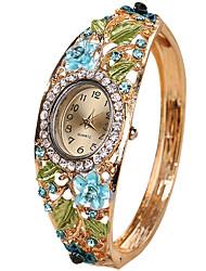 cheap -Women's Ladies Luxury Watches Bracelet Watch Diamond Watch Quartz Creative Casual Watch Cool Analog Vintage Casual Bangle Fashion - Purple Yellow Blue One Year Battery Life / SSUO LR626