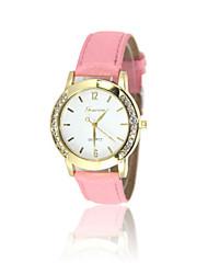 Недорогие -Жен. Модные часы Кварцевый Стеганная ПУ кожа Черный / Розовый / Фиолетовый Аналоговый Черный Лиловый Розовый