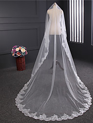 cheap -One-tier Lace Applique Edge Wedding Veil Chapel Veils with Satin Flower / Sequin / Appliques Tulle / Classic