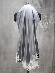 cheap -One-tier Lace Applique Edge Wedding Veil Fingertip Veils with Appliques Lace / Tulle / Mantilla