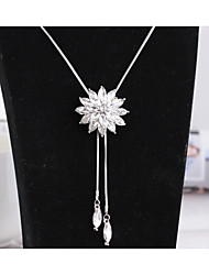 cheap -Women's Crystal Pendant Necklace Flower Fashion Cute Crystal Alloy White Necklace Jewelry For Wedding Party Halloween Birthday Graduation Daily