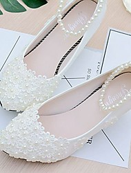 cheap -Women's Wedding Shoes Glitter Crystal Sequined Jeweled Low Heel Closed Toe Wedding Pumps Sweet Wedding Lace PU Imitation Pearl Lace Flower Solid Colored White