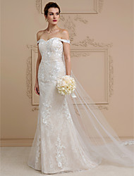 cheap -Sheath / Column Wedding Dresses Off Shoulder Court Train Lace Over Tulle Strapless Romantic Illusion Detail with Appliques 2021 / Removable train