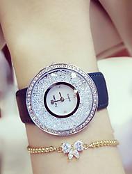 Недорогие -Жен. Наручные часы Diamond Watch Японский Кварцевый Натуральная кожа Черный / Белый / Синий 30 m Повседневные часы Аналоговый Дамы Кулоны - Белый / Золотистый Белый / Серебристый Синий / Белый