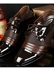 Недорогие -Муж. Комфортная обувь Полиуретан Весна / Осень Английский Туфли на шнуровке Черный / Коричневый / EU40