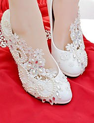 cheap -Women's Wedding Shoes Round Toe Rhinestone / Imitation Pearl / Appliques Lace / Leatherette Comfort Spring / Fall White / Party & Evening / EU41