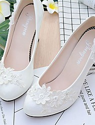 cheap -Women's Wedding Shoes Round Toe Rhinestone / Imitation Pearl / Appliques Lace / Leatherette Comfort Spring / Fall White / Sparkling Glitter / Party & Evening / EU39