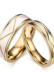 Недорогие -Муж. Жен. Кольцо Обручальное кольцо Набор колец Золотой Титановая сталь Стиль Свадьба Вечеринка / ужин Бижутерия