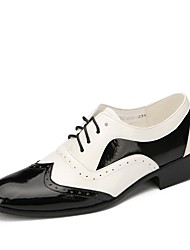 cheap -Men's Dance Shoes Patent Leather Swing Shoes Flat Flat Heel Customizable Black / White / Performance / EU43