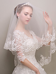 cheap -One-tier Fashionable Jewelry / Flower Style / Mesh Wedding Veil Chapel Veils with Fringe / Splicing POLY / Tulle / Oval