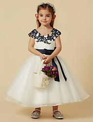 cheap -A-Line Knee Length Flower Girl Dress - Lace / Tulle Short Sleeve Scoop Neck with Bow(s) / Buttons / Sash / Ribbon