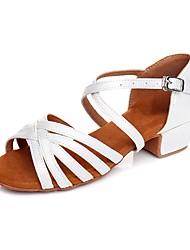 Недорогие -Девочки Танцевальная обувь Синтетика Обувь для латины На каблуках На низком каблуке Персонализируемая Белый / В помещении / Тренировочные