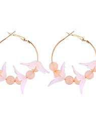 Недорогие -Серьги-кольца Серьги, обнимающие мочку уха Цветы и растения Цветы Дамы Милая Мода Серьги Бижутерия Белый / Черный / Светло-Розовый Назначение Повседневные