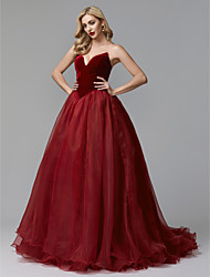 cheap -Ball Gown Luxurious Quinceanera Formal Evening Dress Strapless Sleeveless Court Train Tulle Velvet with Pleats 2021