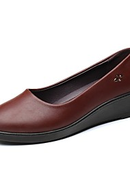cheap -Women's Flats Leather Shoes Wedge Heel Round Toe Sequin Microfiber Comfort Walking Shoes Fall & Winter Black / Brown