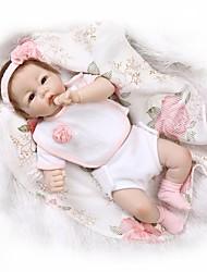Недорогие -NPKCOLLECTION 22 дюймовый NPK DOLL Куклы реборн Кукла для девочек Девочки Reborn Baby Doll Новорожденный как живой Подарок Безопасно для детей Взаимодействие родителей и детей с одеждой и аксессуарами