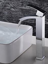 Недорогие -смеситель для ванной комнаты - водопад / широко распространенный / дизайн хромированная палуба моноблок