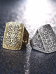 cheap -Couple's Ring 1pc Gold Silver Alloy Round Geometric Stylish Vintage European Street Club Jewelry Vintage Style Sculpture Matching Flower Shape
