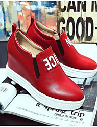 cheap -Women's Sneakers Party Heels Wedge Heel Closed Toe Buckle Pigskin Comfort Spring & Summer White / Black / Red