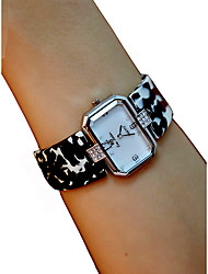 cheap -Women's Wrist Watch Square Watch Quartz Black / White / Red Chronograph Casual Watch Lovely Analog Ladies Bangle Elegant - Red Black / White Ivory / Imitation Diamond