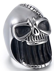 Недорогие -Муж. Кольцо 1шт Черный Титановая сталь Вольфрамовая сталь Круглый Геометрической формы Винтаж Панк Первоначальные ювелирные изделия Halloween Повседневные Бижутерия Старинный 3D Череп Cool