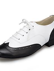 abordables -Homme Chaussures Modernes / Salon Cuir Verni Basket Fantaisie Talon épais Chaussures de danse Noir-Blanc