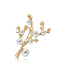 cheap -Women's Freshwater Pearl Brooches Hollow Out Ladies Gothic Fashion Cute Brooch Jewelry Gold For Gift Date