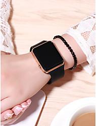 Недорогие -Жен. электронные часы Квадратные часы Цифровой силиконовый Черный 30 m Творчество ЖК экран Цифровой Мода - Черный Золотой Розовое золото