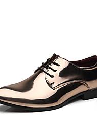 abordables -Homme Chaussures de confort Faux Cuir Automne hiver Classique / Chinoiserie Oxfords Ne glisse pas Dorée / Rouge / Bleu / Soirée & Evénement / Paillette / Soirée & Evénement
